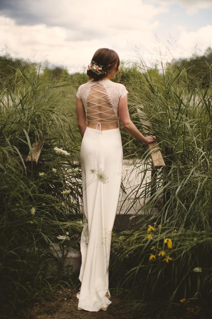 Cambridge Ontario wedding tmodern bridal dress