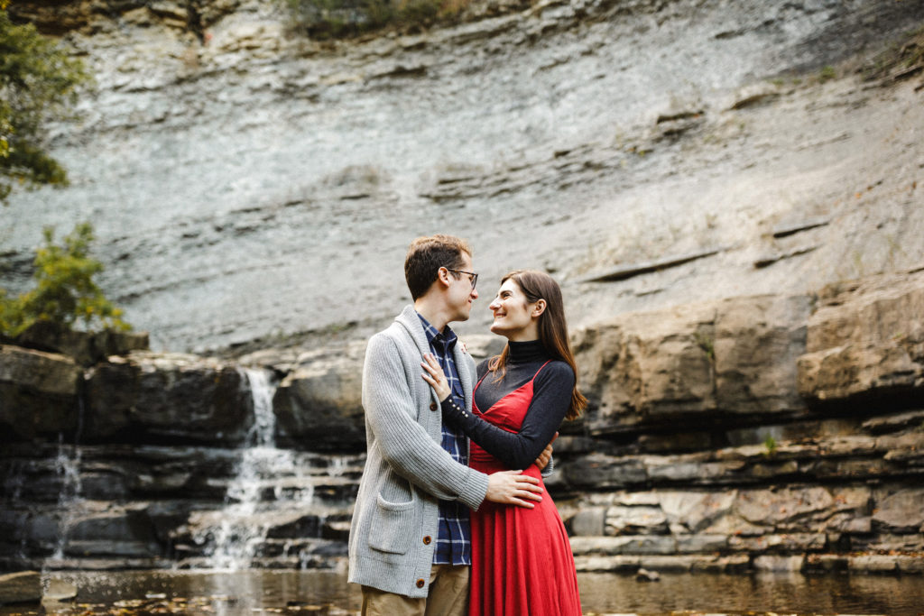 waterfalls romantic engagement session niagara photographer