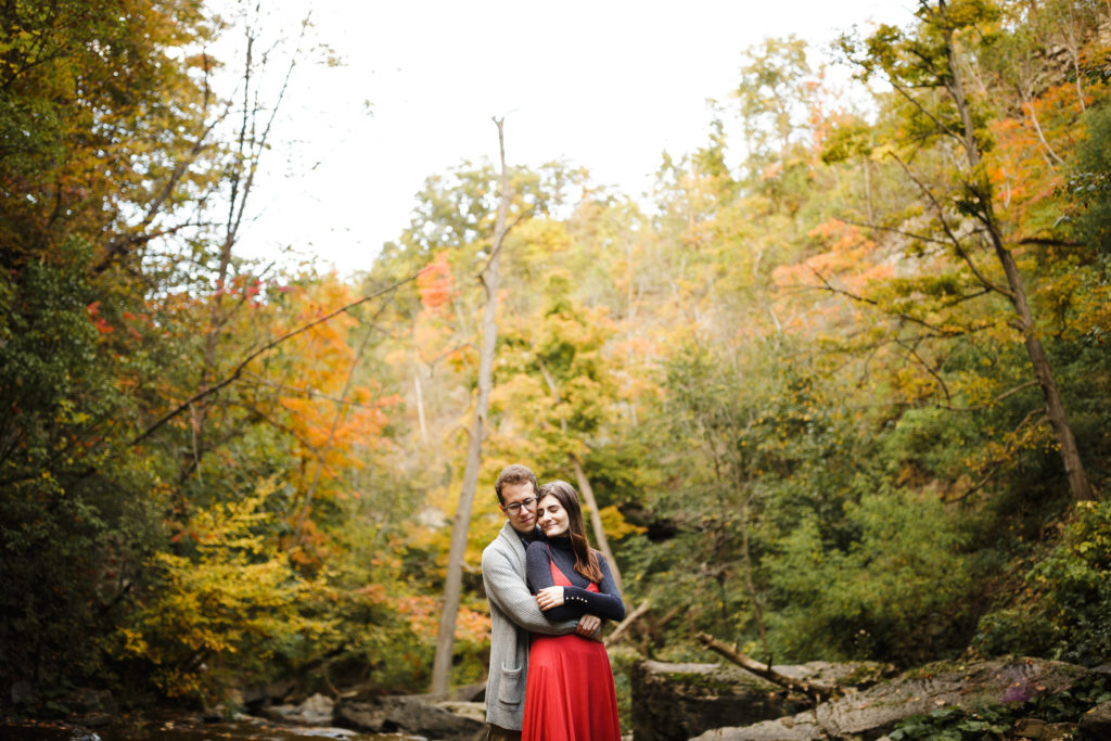 romantic engagement session autumn by niagara wedding photographer afterglow