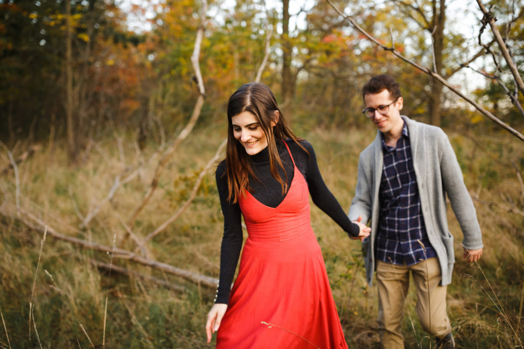 outdoor fall engagement session niagara wedding photographer
