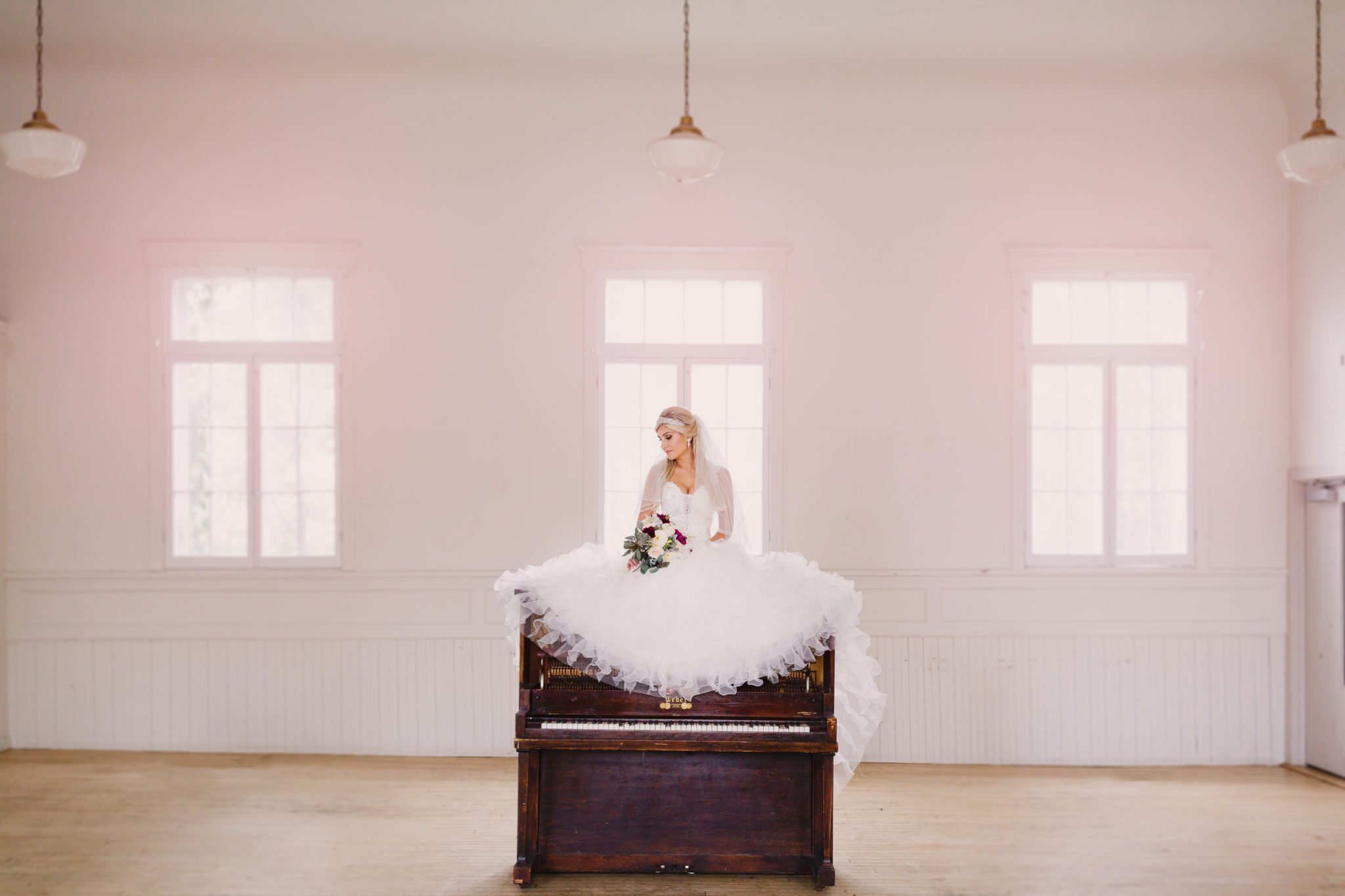 Bride-on-piano-white-pink-vintage-toronto-hamilton