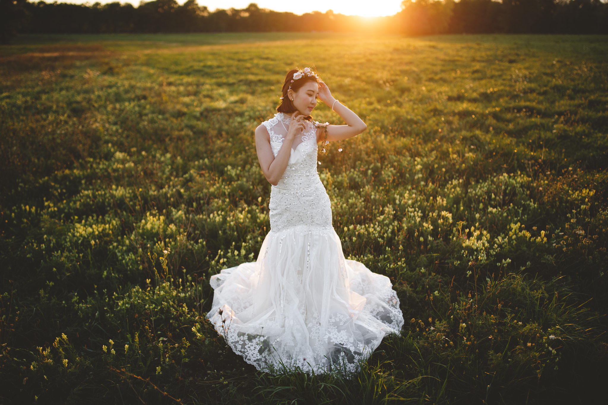 bride-wedding-gown-field-sunset-flare-niagara