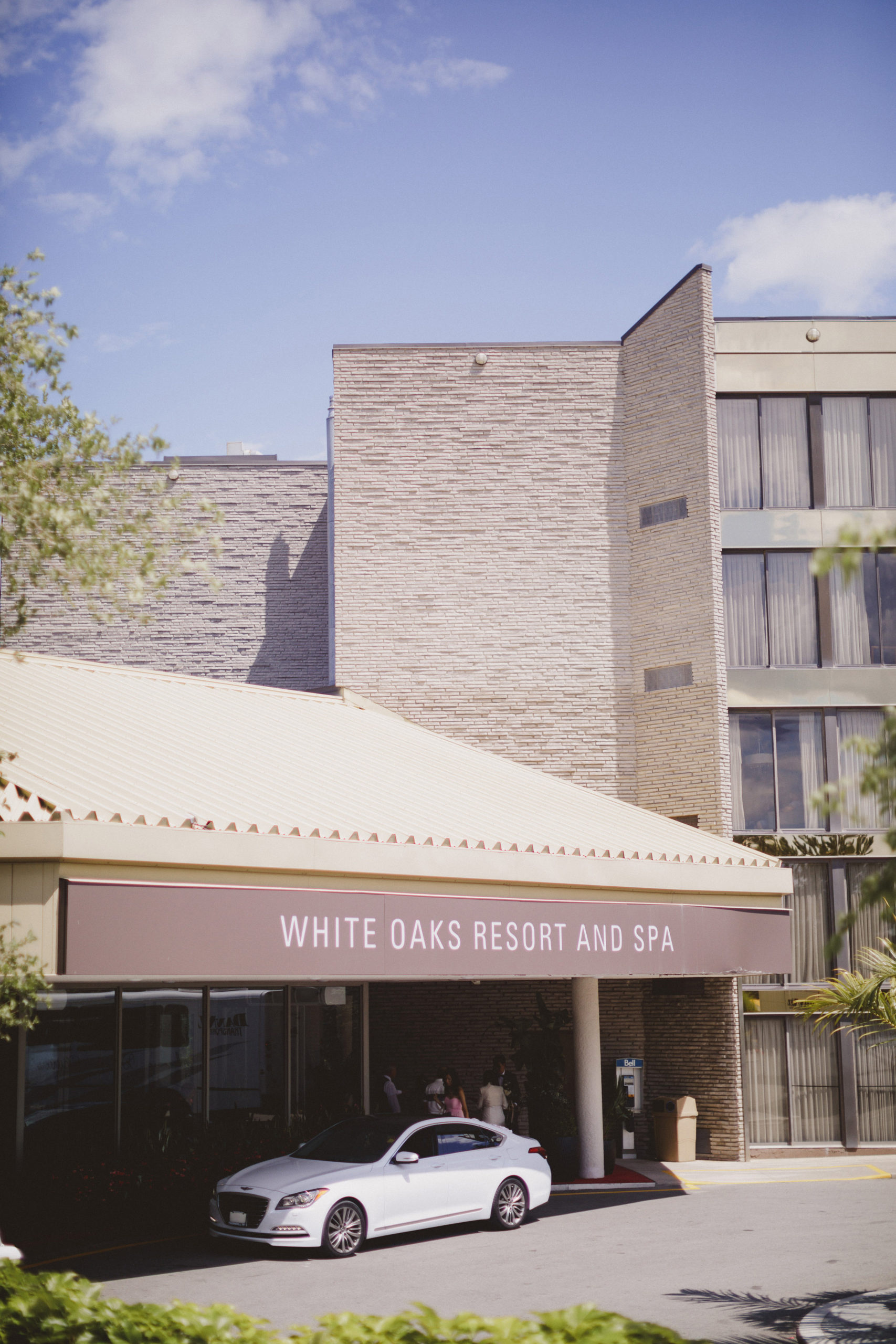 white oaks resort and spa front entrance niagara on the lake