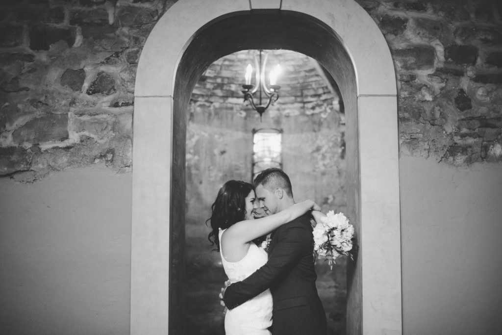 inn on the twenty cellar wedding couple elopement