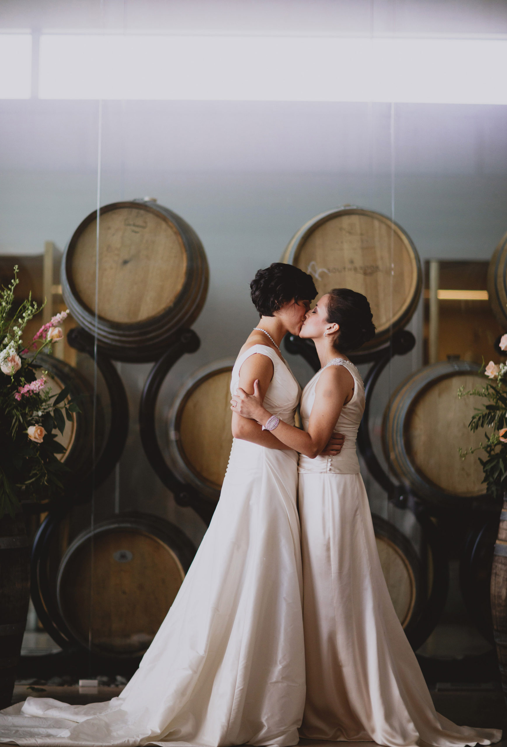 first kiss two brides southbook niagara photographer