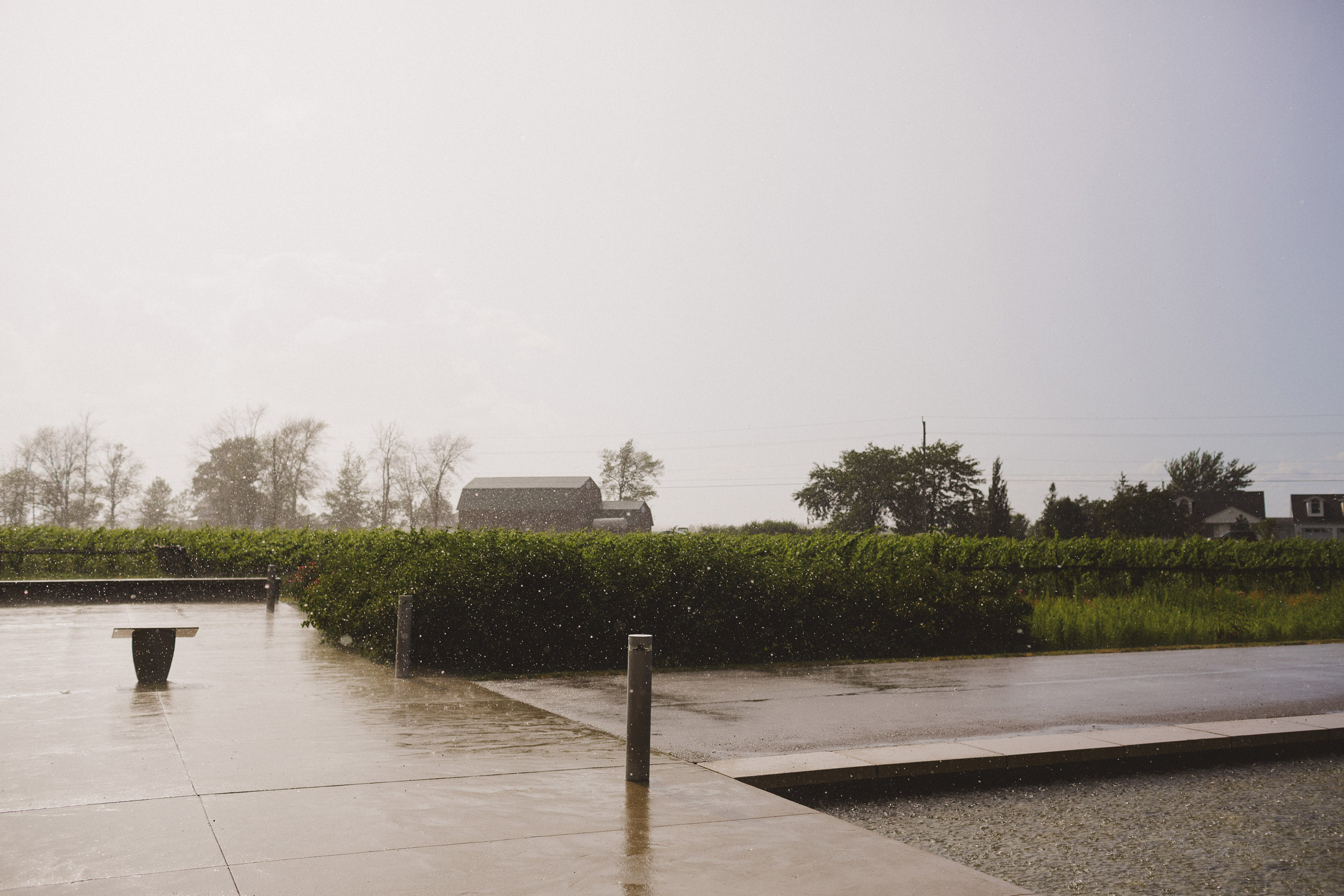 rainy day wedding southbook vineyard winery niagara