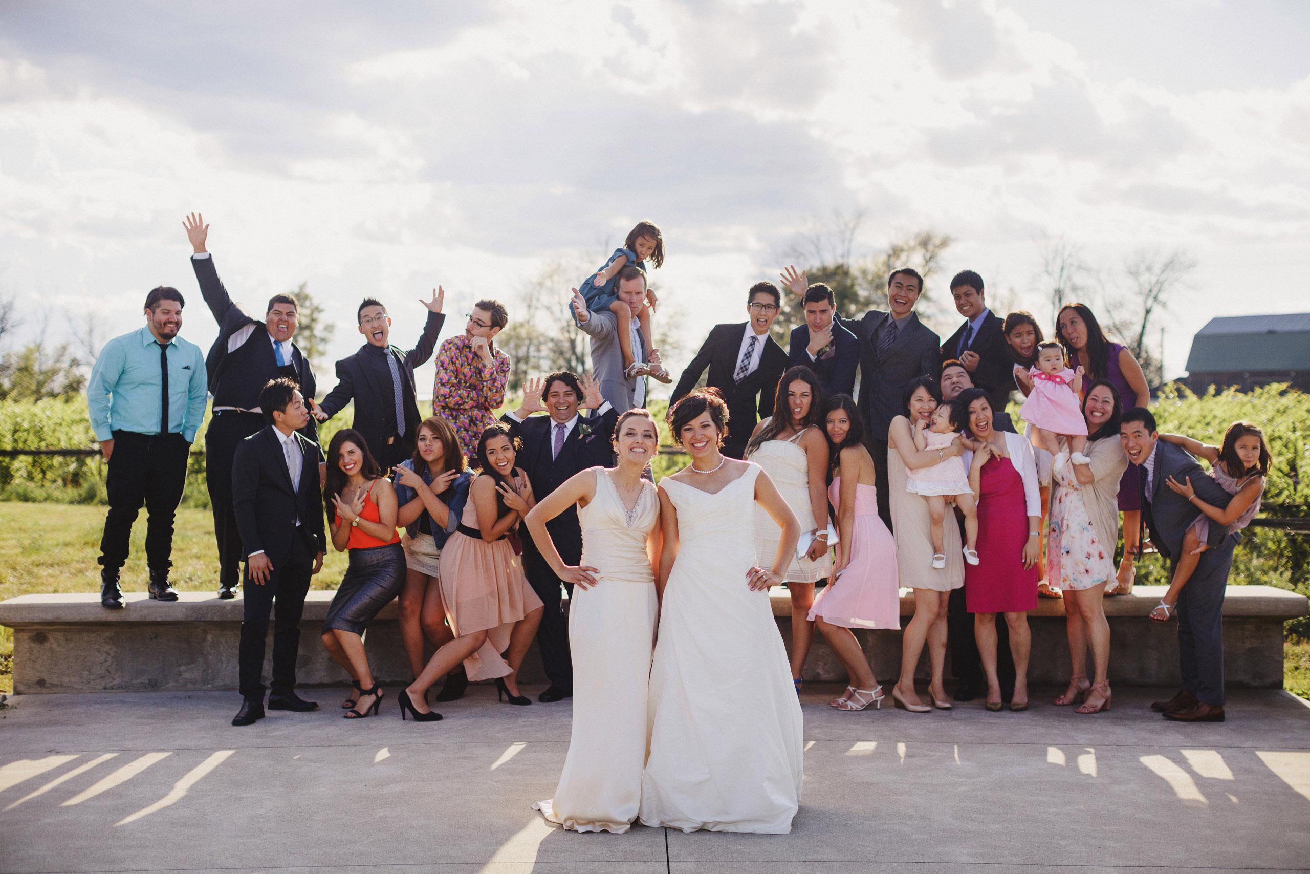 group photo wedding niagara photographer