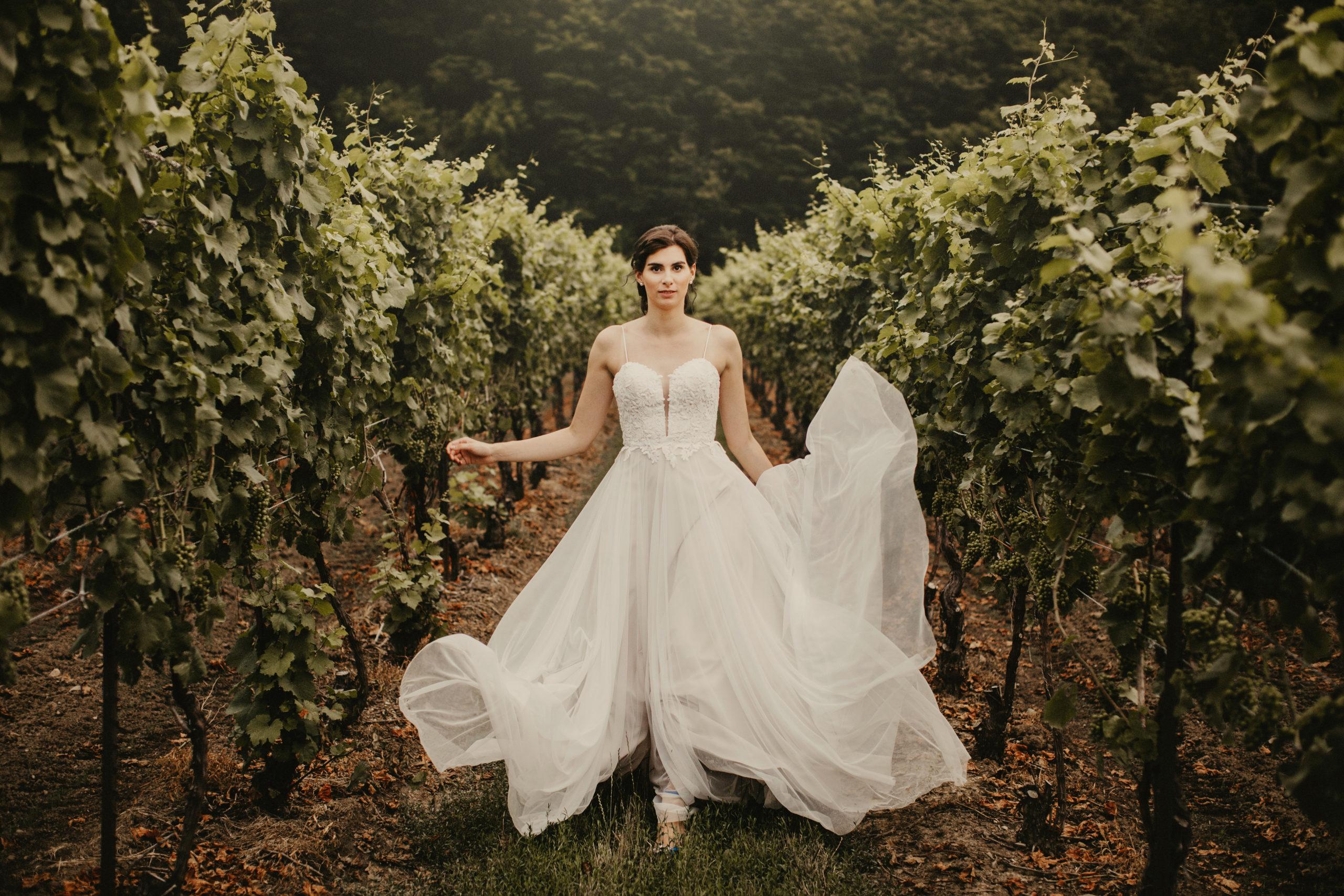 bride wedding inn on the twenty cave spring vineyard