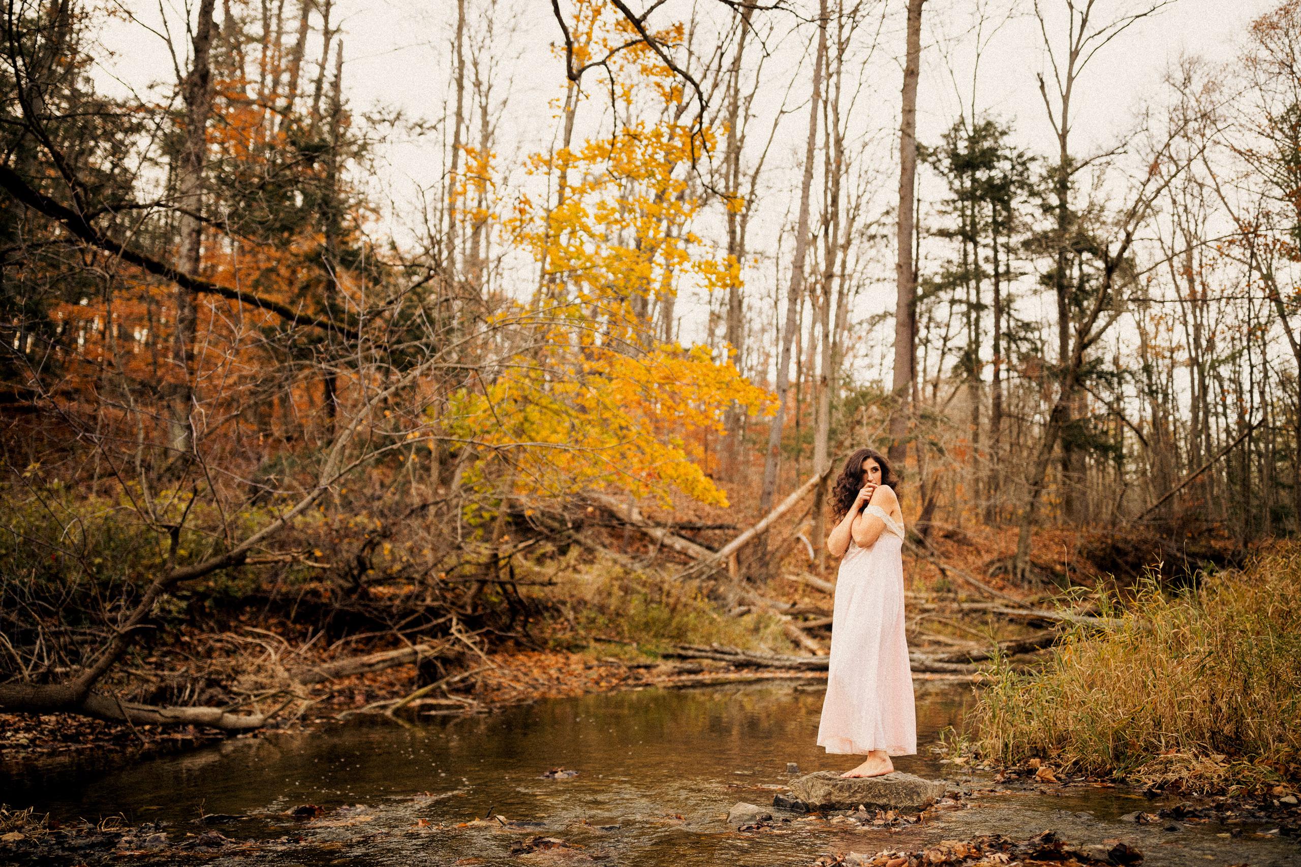 outdoor boudoir river fall autumn pink girl water