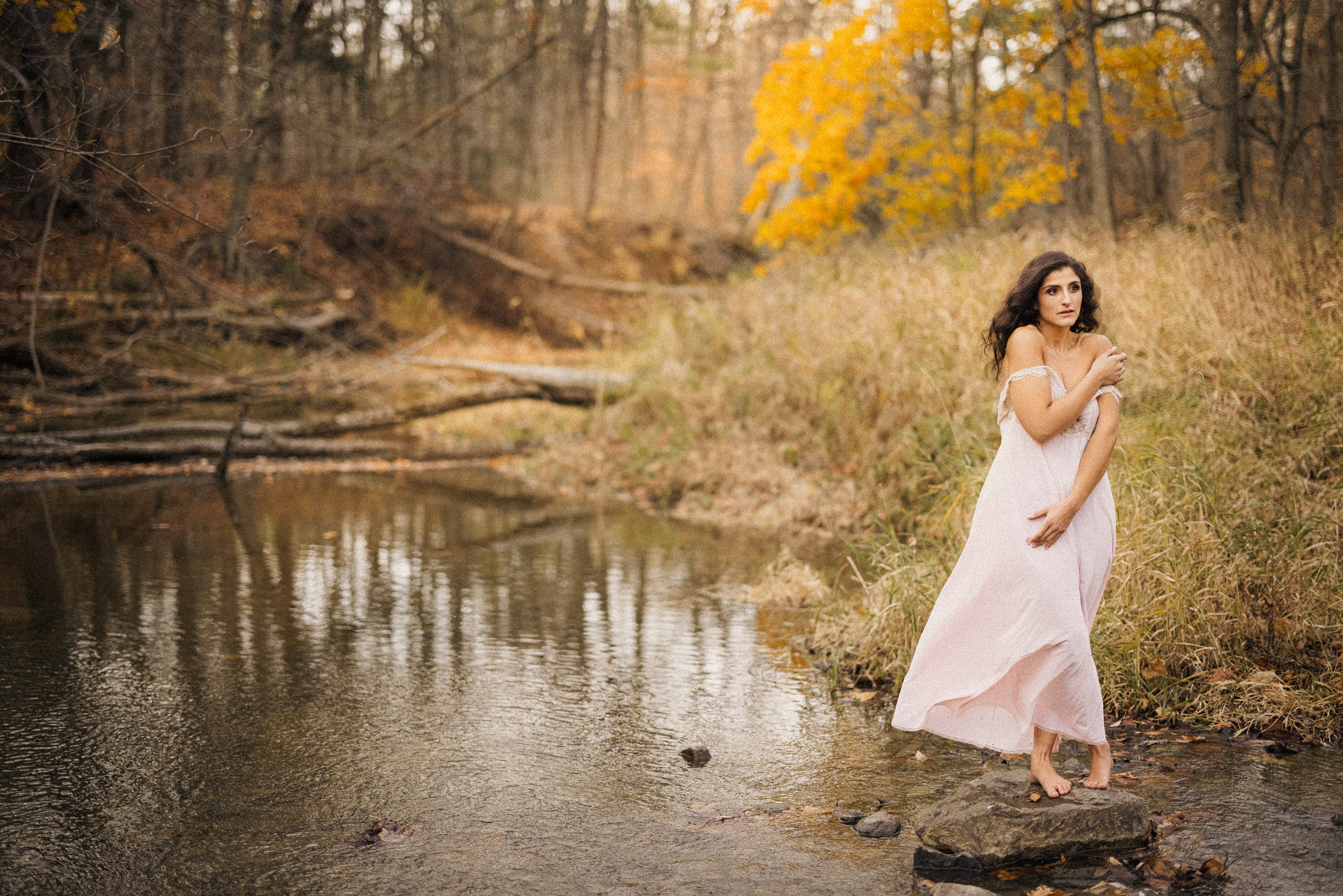 outdoor boudoir photography niagara afterglow water river