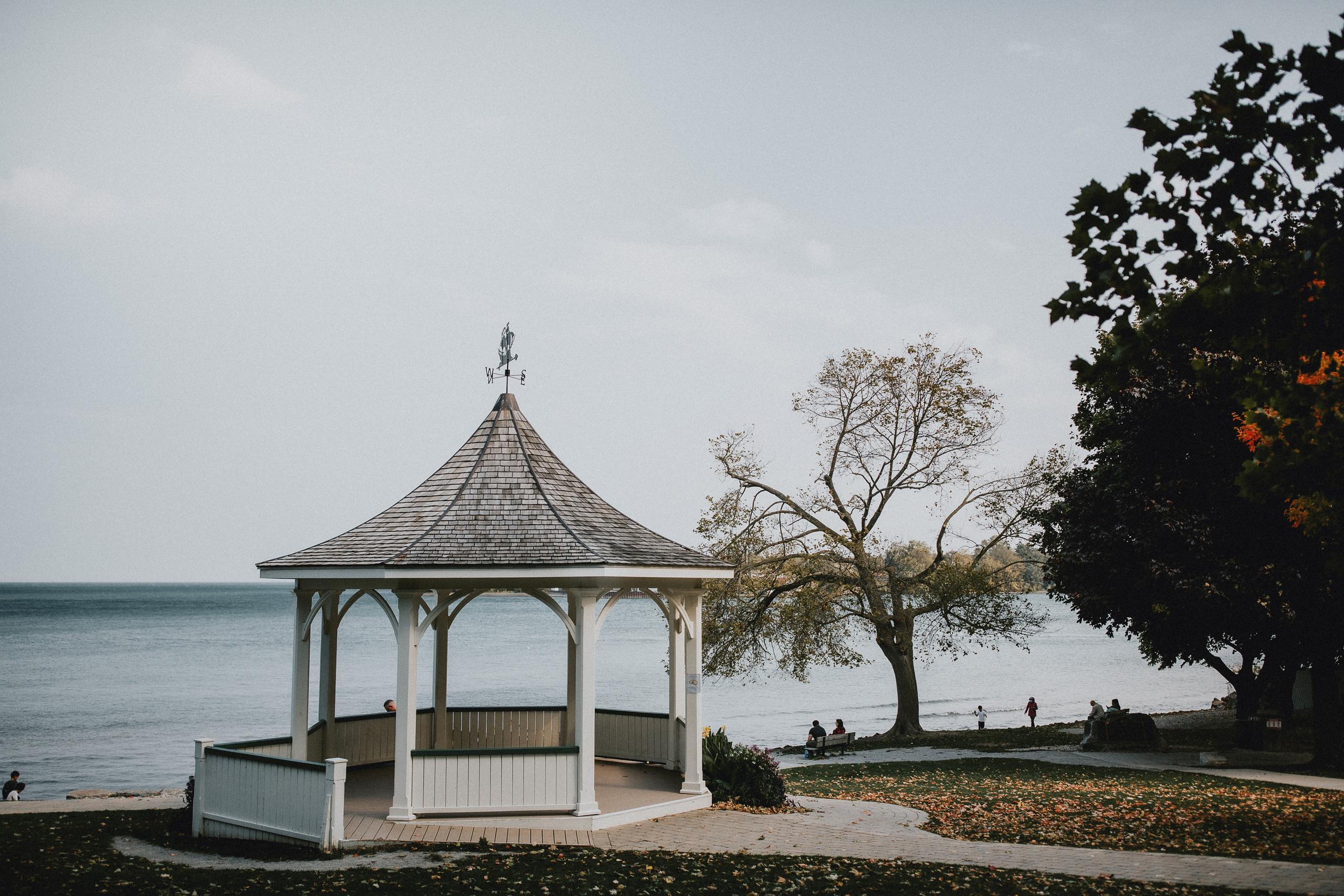 white gazebo queens royal park niagara on the lake