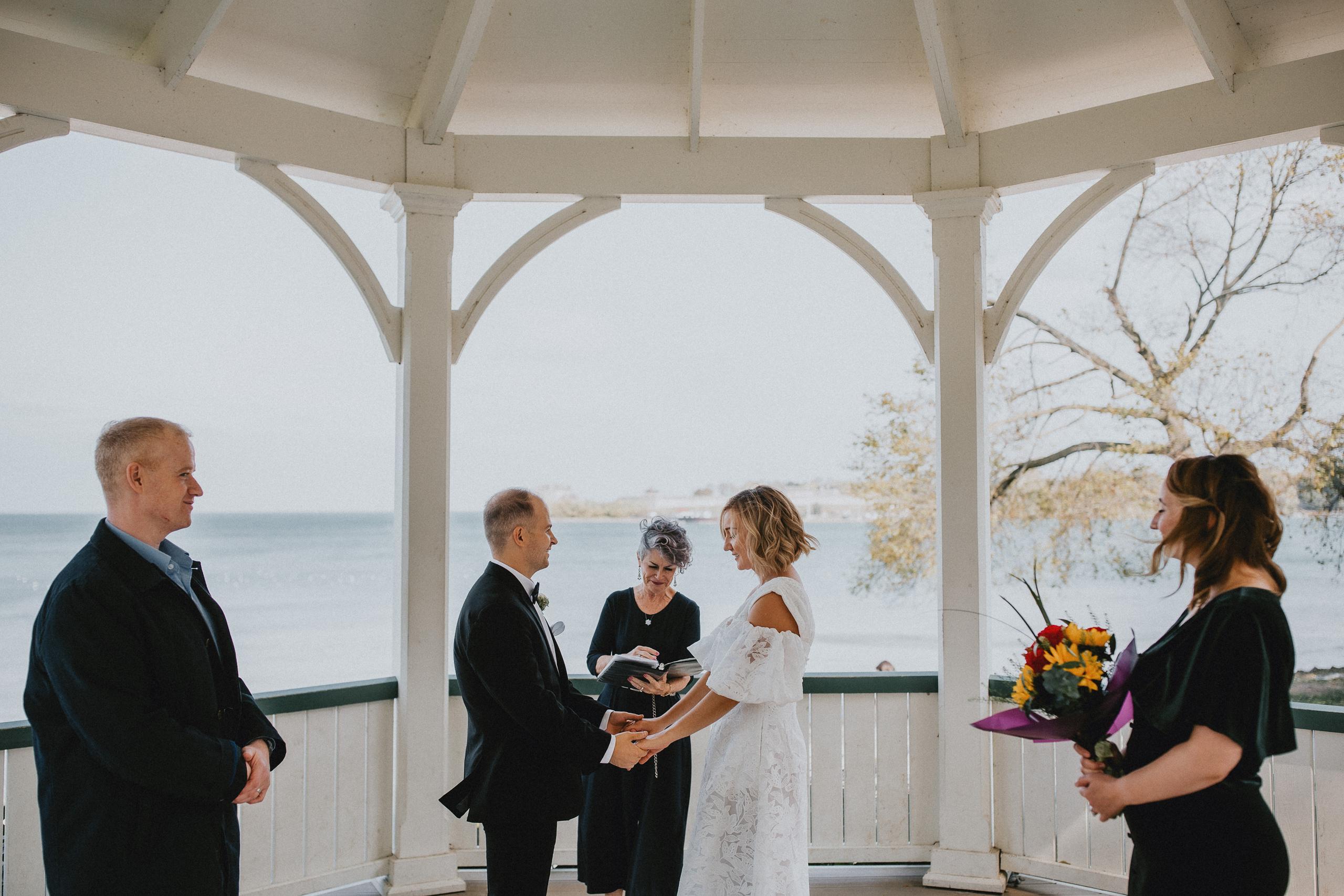 small wedding niagara on the lake gazebo park photography