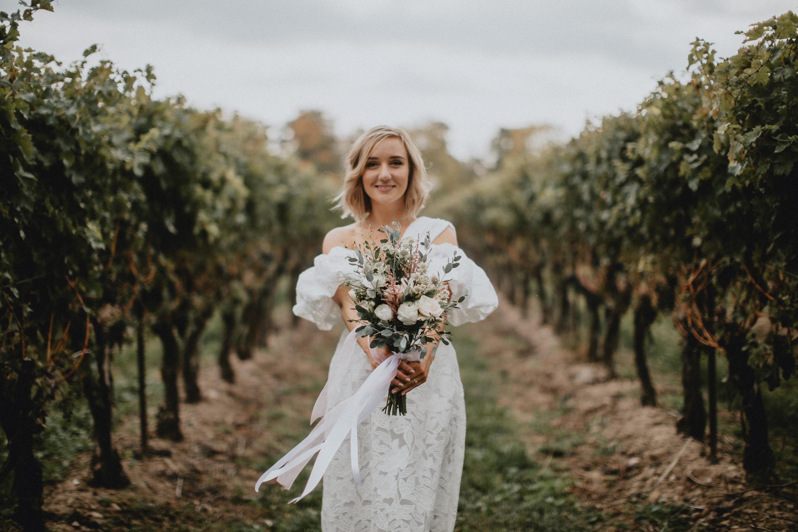 vineyard bride bbblooms wedding niagara afterglow