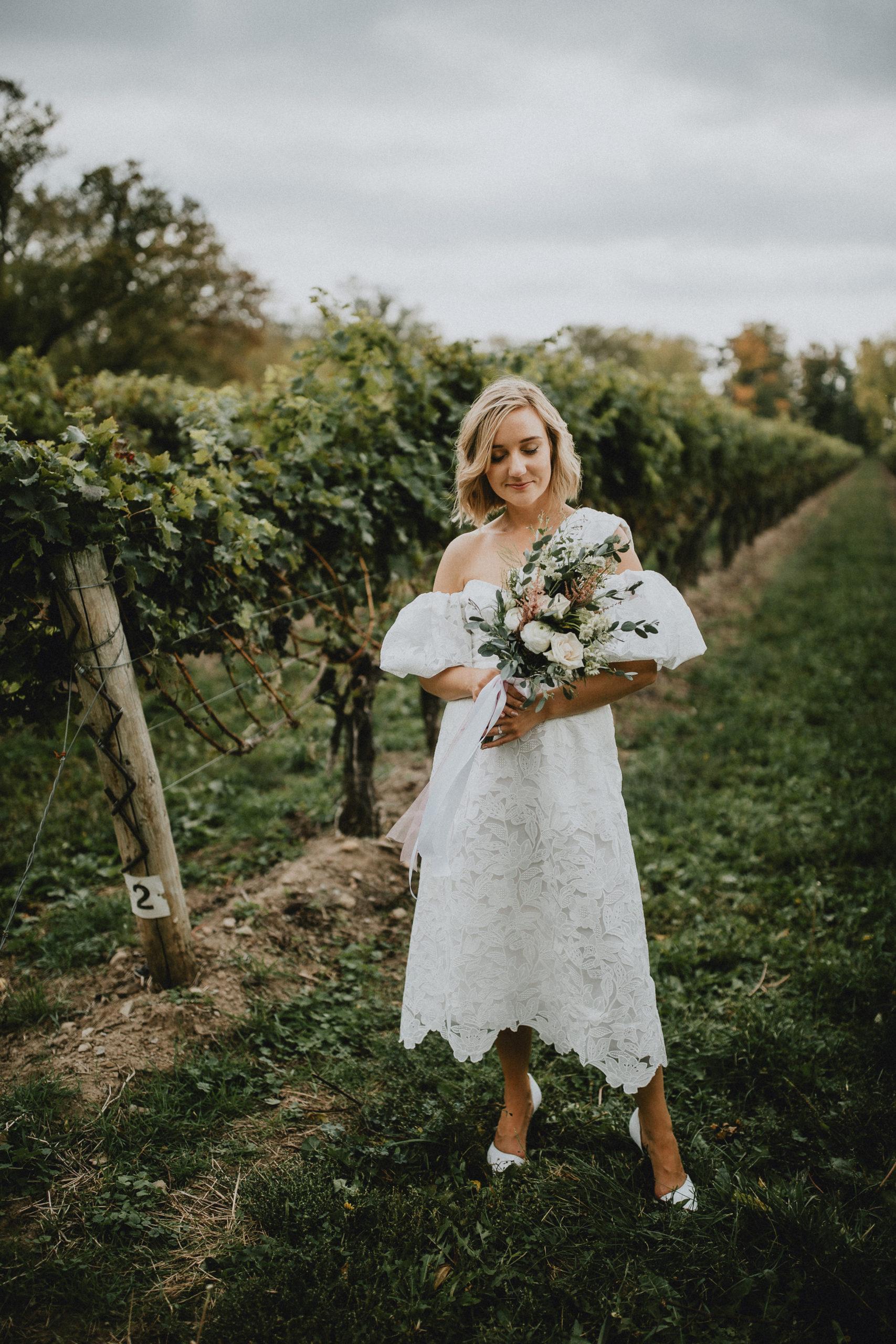playful bride niagara on the lake vineyard afterglow