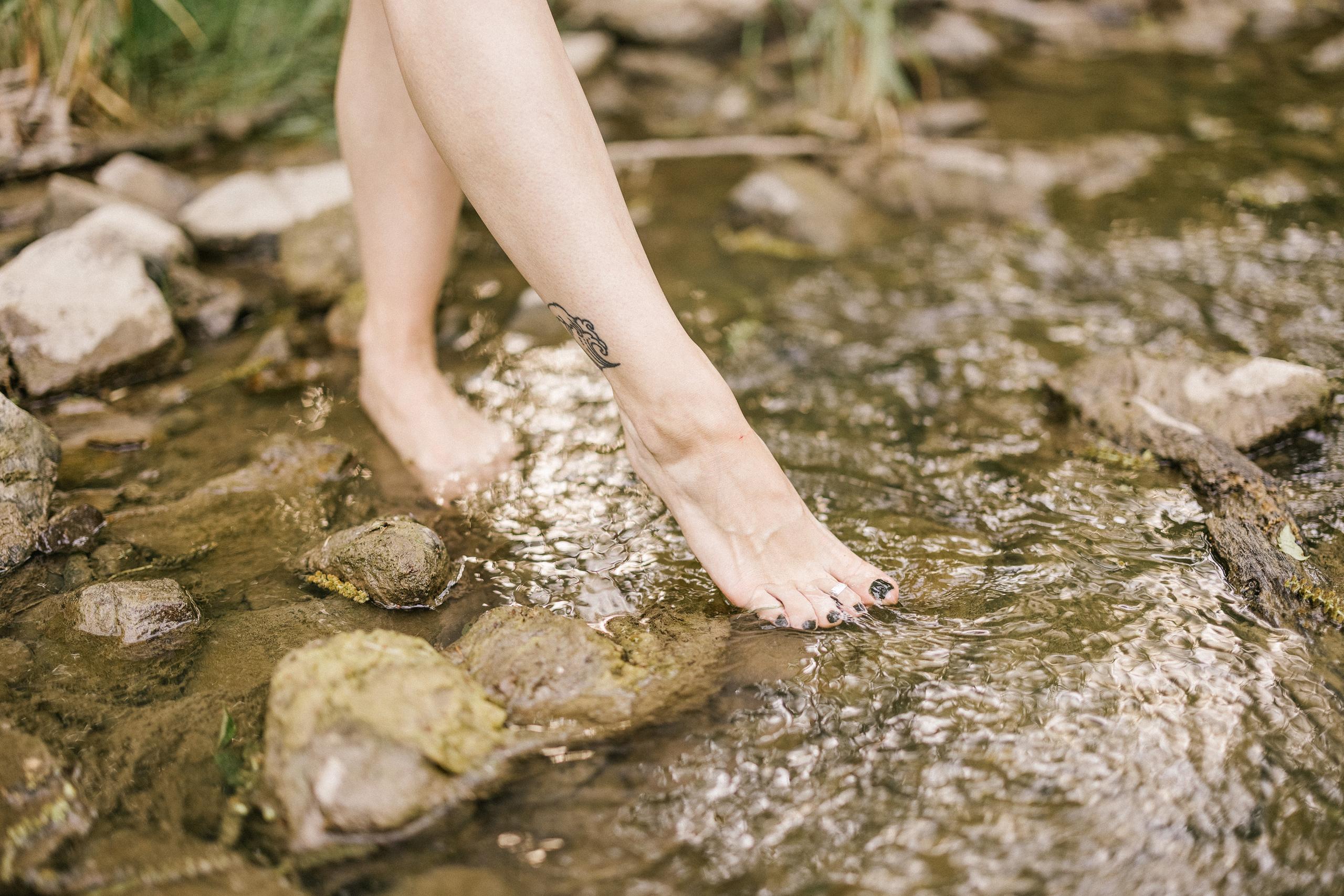 bridal boudoir outdoor niagara river lace robe sensual