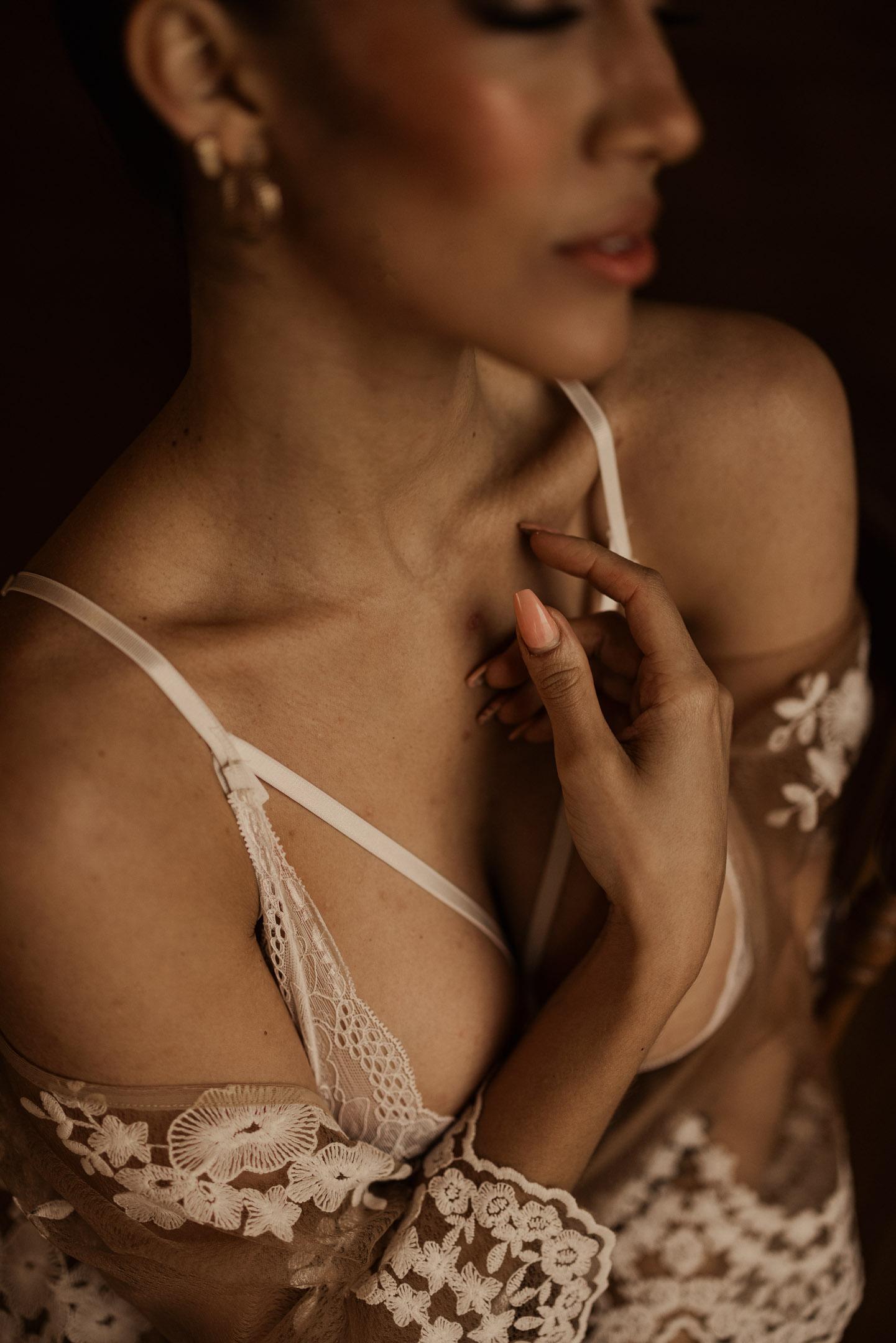 Intimate sexy photos bride niagara wedding boudoir