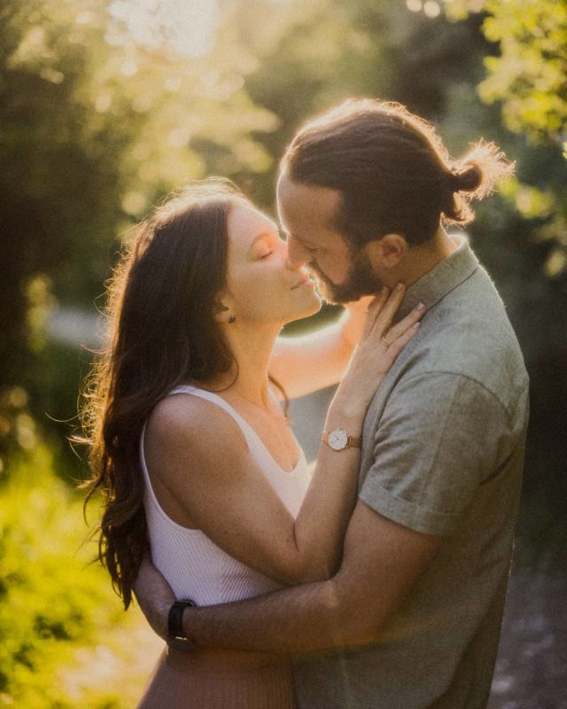 A little classic romance in the gardens of France.  Not really, but it sure feels that way! #engaged #afterglowportraits  . . . #couple #romance #love #realcouple #engagementphotos #engagement #niagaraphotographer #portraitphotography @canoncanada #film #shotonfilm #filmphotography #hamiltonphotographer #classic #classicromance #beautiful #kiss #thatlight #naturallight #realmoment #couplegoals #portrait #portraitphotography #perfection #portraithood #gardens #outdoors